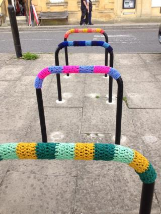 Chipping Norton - decorating the bike stands