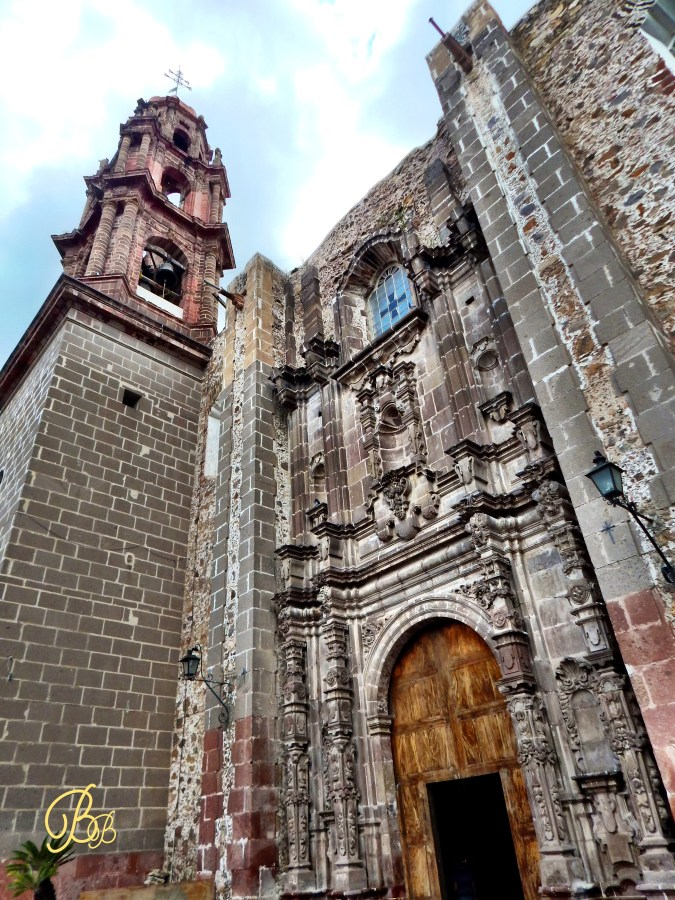 San Miguel de Allende chirch side view