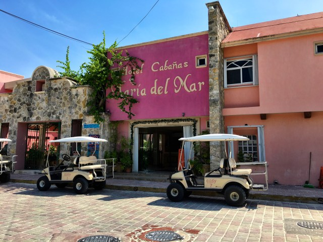 Isla Mujeres pink hotel