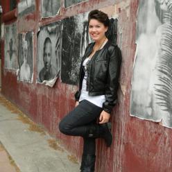 Molly E Lee Author photo