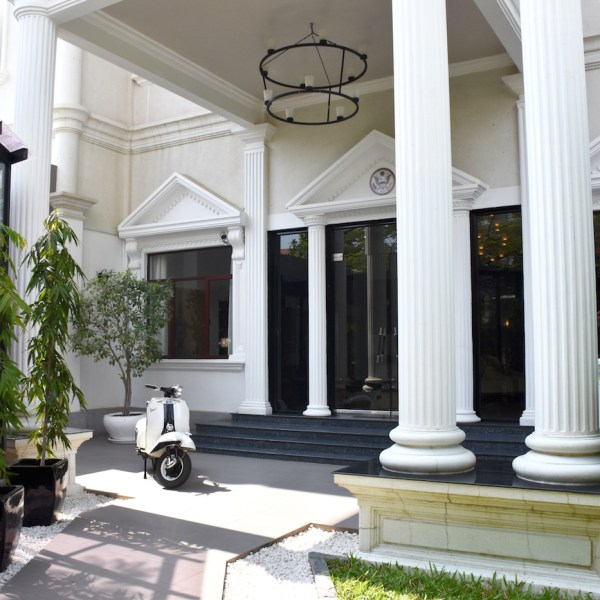 Luxury At The White Mansion, Phnom Penh