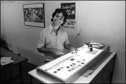 Duda Bentes em 1984 na agência Ágil registrado por André Dusek.