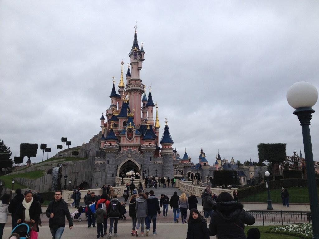 Mundi: Conheça a Disneyland Paris!