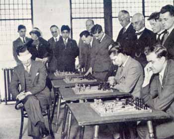 Koltanowski playing a blindfold match in Edinburgh, 1937