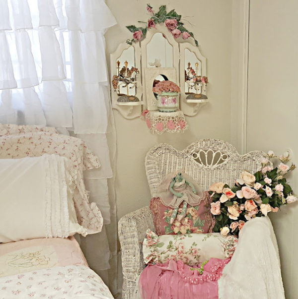 Friday Frivolity featured post - Penny's Vintage Home
