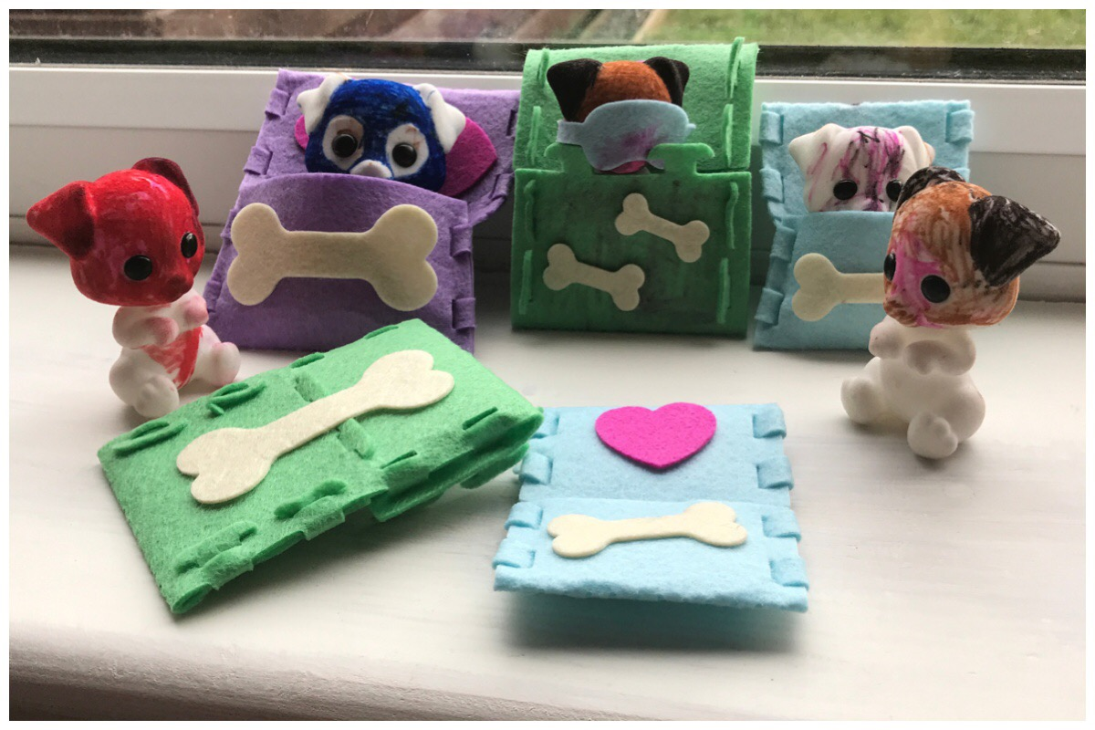 Fuzzikins Crafts Dozy Dogs completed set of coloured pups and felt beds