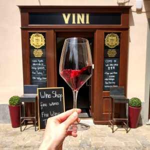 degustazione vino barolo langhe