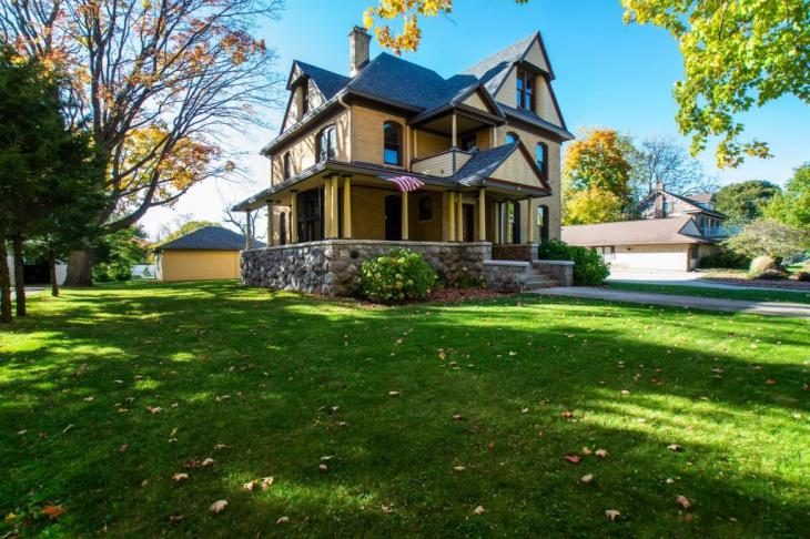 restored victorian in elkhorn wi elkhorn wi - Restored Victorian in Elkhorn, WI - Elkhorn, WI