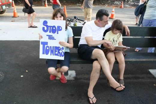 Kids are against Greenpoint waterfront development, too. (Photo: Natalie Rinn)
