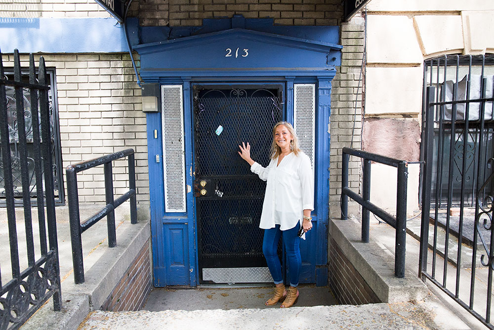Medina outside her old office at the former South Side United HDFC location (Photo: Nicole Disser)