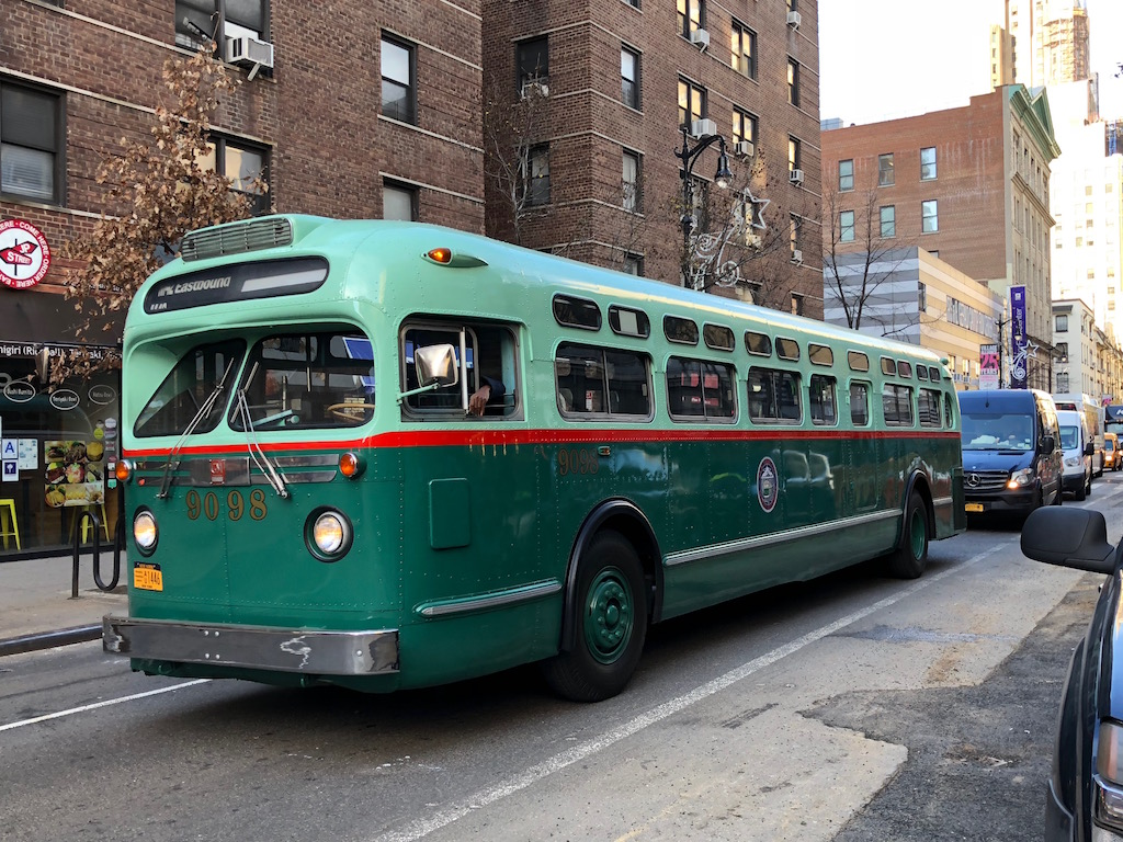"""DETROIT TRANSIT HISTORY.info: GM """"Old-Look"""" Photos 1950's ... 