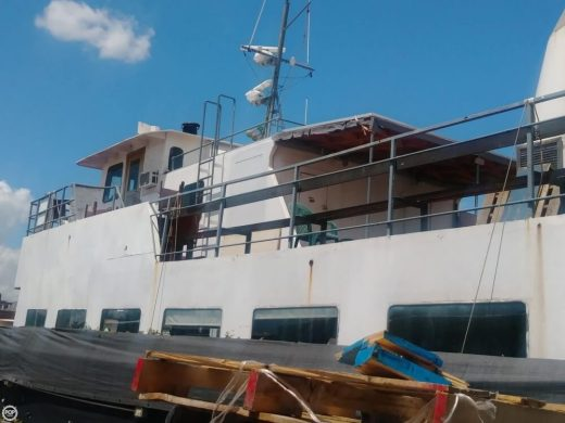 Brooklyn's Secret Party Boat Says 'Save Our Ship'
