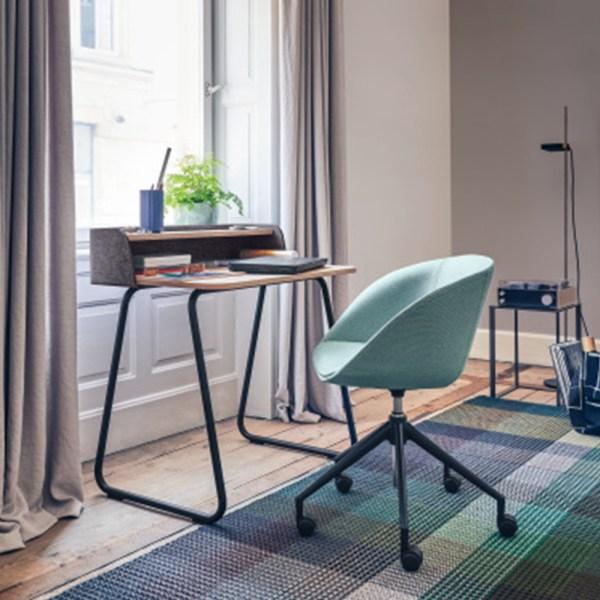 Bureau de télétravail pour créer un espace cosy à la maison