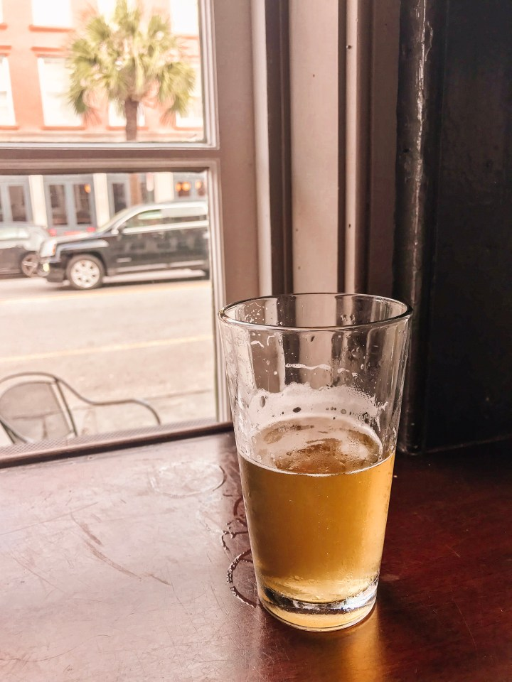 Looking for things to do in Charleston, South Carolina? From happy hour and more. Check out these 11 things that you'll want to do during a trip to Charleston.