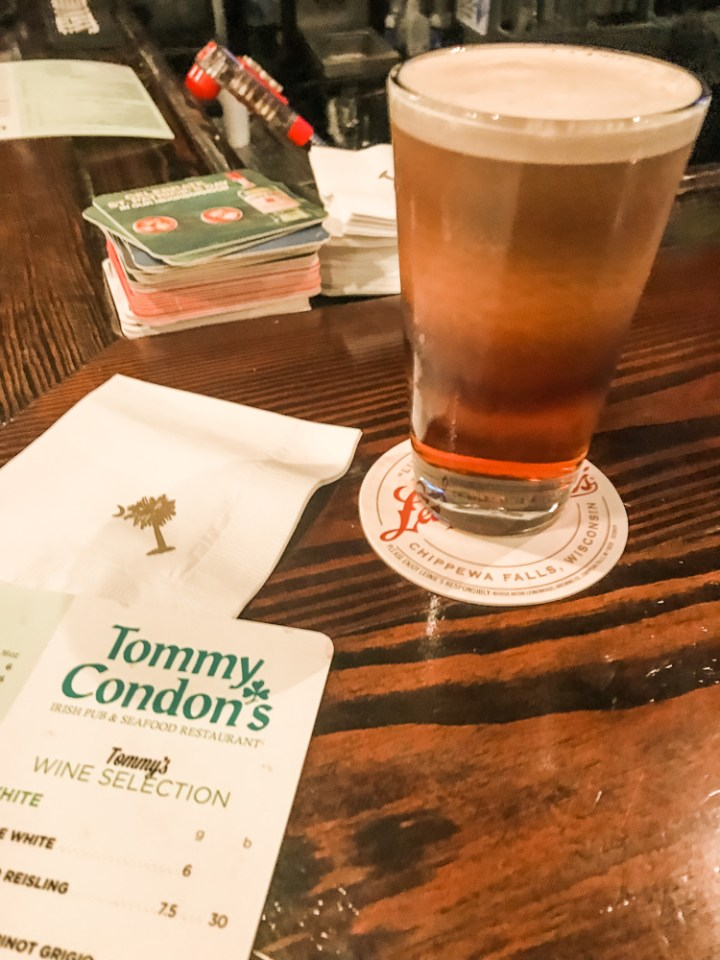 Looking for great places to Eat & Drink in and around Charleston, South Carolina? I've rounded up some can't miss places. Which one is your favorite?