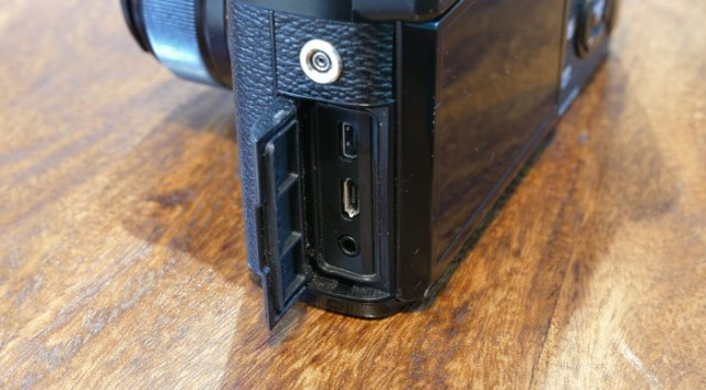 Fujifilm X-Pro2 Ports
