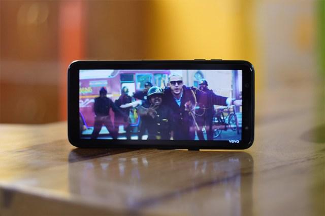 Samsung Galaxy A6 Plus display
