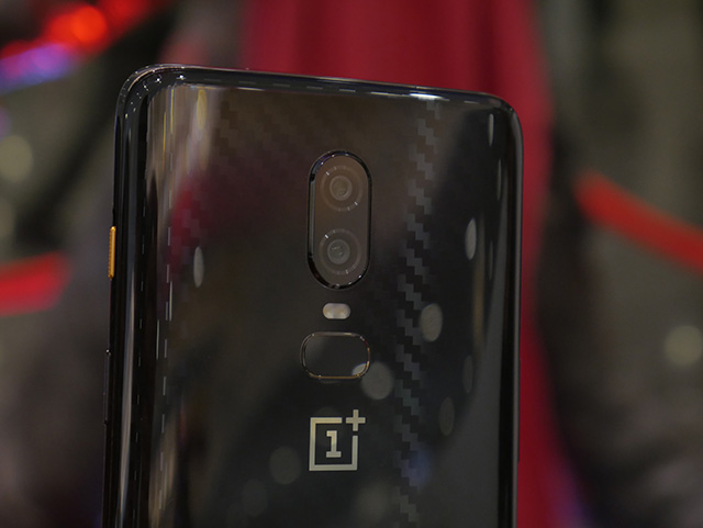 OnePlus 6 Avengers Special Edition Hands On: All That Glitters is Gold