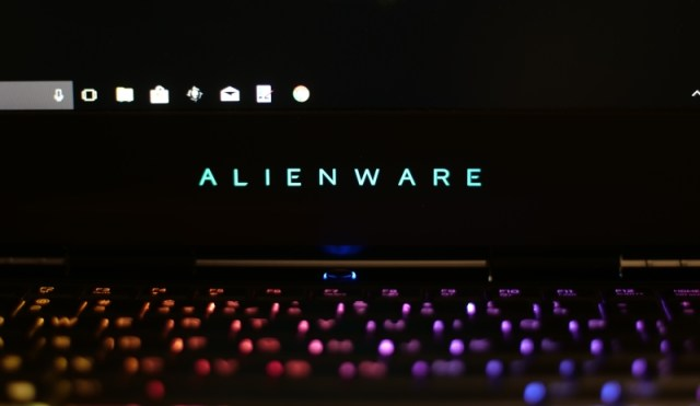 Alienware 15 R3 Design and Build Quality 2