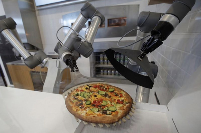 This Robot Prepares a Pizza Every 30 Seconds