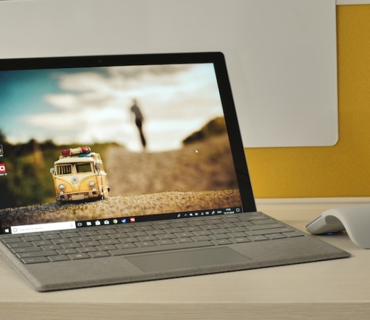 Surface Pro (2017) Review - Versatility Comes at a Price