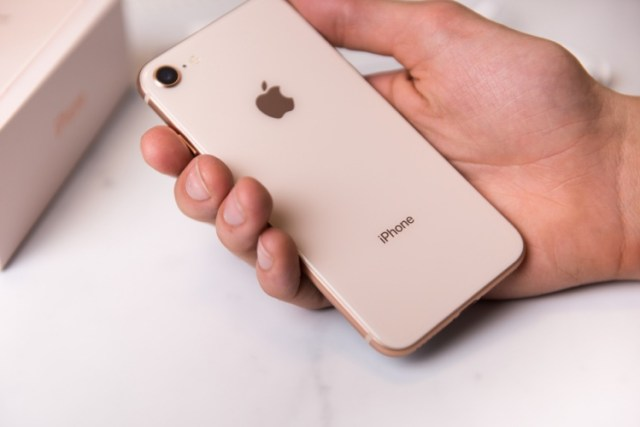iphone 8 best-seller phone featured