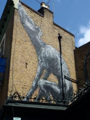 Victoria Pub ROA street art