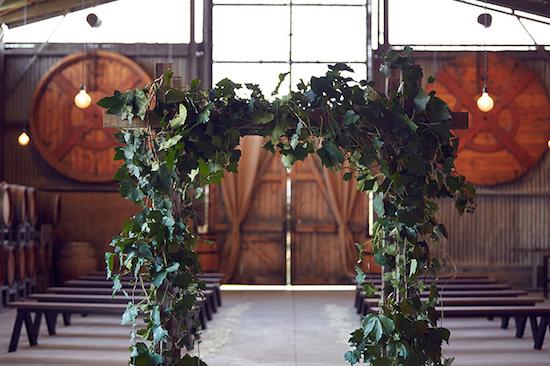 winter-barn-wedding-inspiration-ceremony