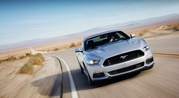 2015-ford-mustang-gt-15-1