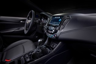 With greater spaciousness and technology, the 2016 Cruze's interior is designed to be more comfortable and a better connected environment for the driver and passengers.