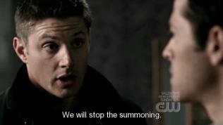 """""""Chúng tôi sẽ ngăn việc ả triệu hồi quỷ."""" - Đây là lần đầu tiên Dean thuyết phục Cas, và sự thật chứng minh là từ đó về sau, mỗi lần Dean thuyết phục, Cas đều nghe theo. Không phải là vì Dean giỏi thuyết phục, nói thật là ngoài Cas ra thì Dean chẳng thuyết phục được mấy người, mà là vì Cas luôn """"lung lay"""" khi đứng trước Dean."""