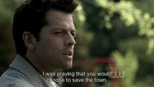 """""""Tôi khi ấy đã cầu nguyện rằng cậu sẽ chọn lựa việc cứu thị trấn này."""""""