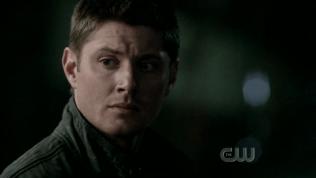 Dean thoáng suy nghĩ.