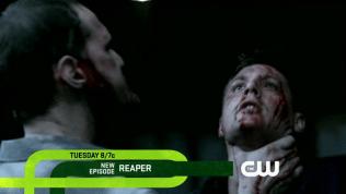 Đúng lúc này, bỗng dưng bẫy phép giam giữ của Alastair bị phá giải. Hắn thoát khỏi trói buộc và đập lại Dean.