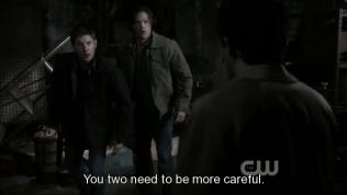 """""""Hai cậu cần phải cẩn thận hơn"""" - Cas nói."""
