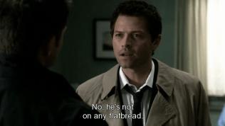 """Cas tưởng thật, đáp lại, """"Không phải đâu, Người không có ở trên cái bánh tráng nào cả."""" =))))))) Ôi, Cas ngây thơ đáng yêu =))))"""