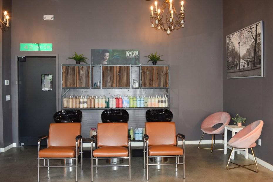 Beehive Salon WS Hair Wash