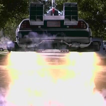 Une réplique miniature de la DeLorean, volante