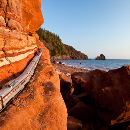 The Canadian / Visite du Canada en train électrique par Jeff Friesen