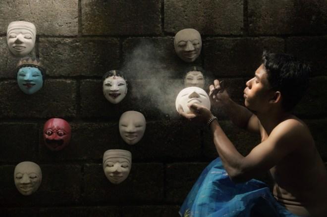Mask Maker ©Achmad Munasit - Asit