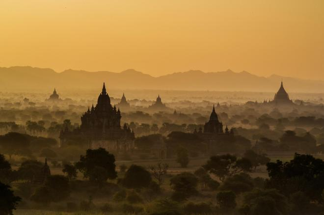 Sunrise @ Bagan