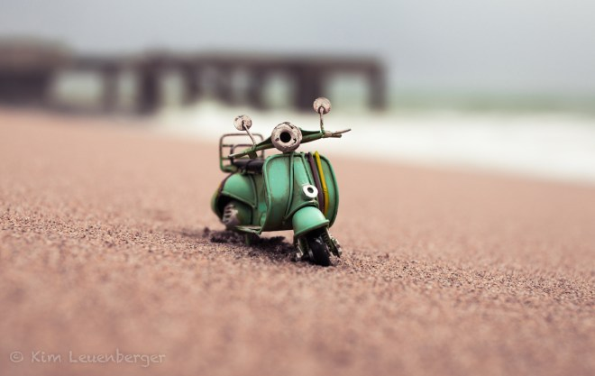 Standing On A Shore / Kim Leuenberger