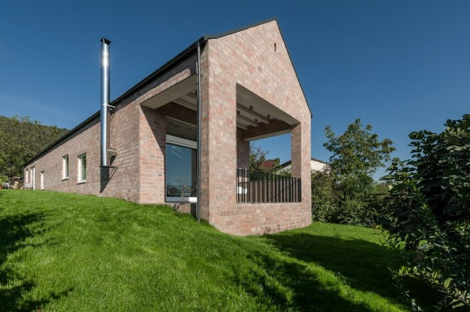 Long Brick House by Földes & Co. Architects