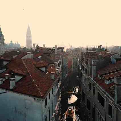 Venezia / Oliver Astrologo