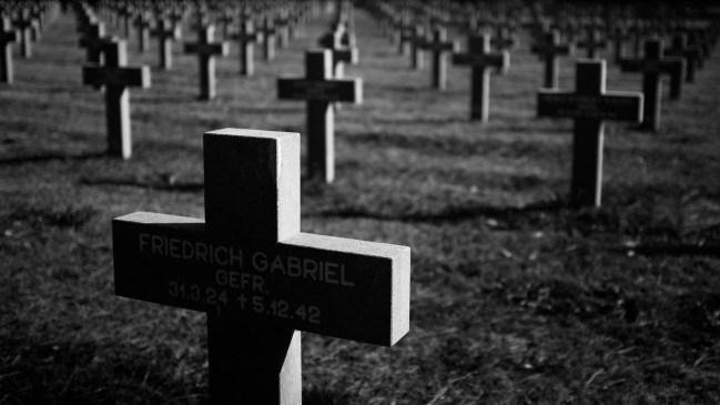 de indrukwekkende duitse begraafplaats in ysselsteyn