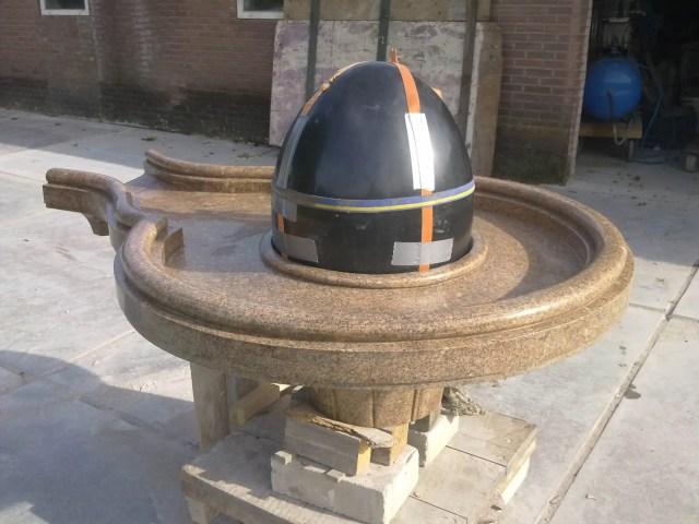 Shiva lingam zwart graniet beeldhouwer Nederland Shivalinga, Shiva lingam