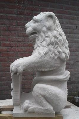 sandstone lion copy