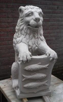 sculptor Leo sandstone Deventer The Three Herrings
