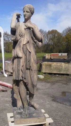 gerestaureerde beeld bij de beeldhouwerij