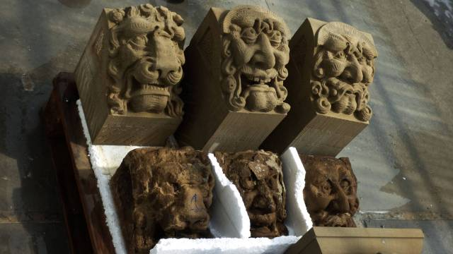 Three times a Grotesque in Udelfanger sandstone, copy and weathered originals